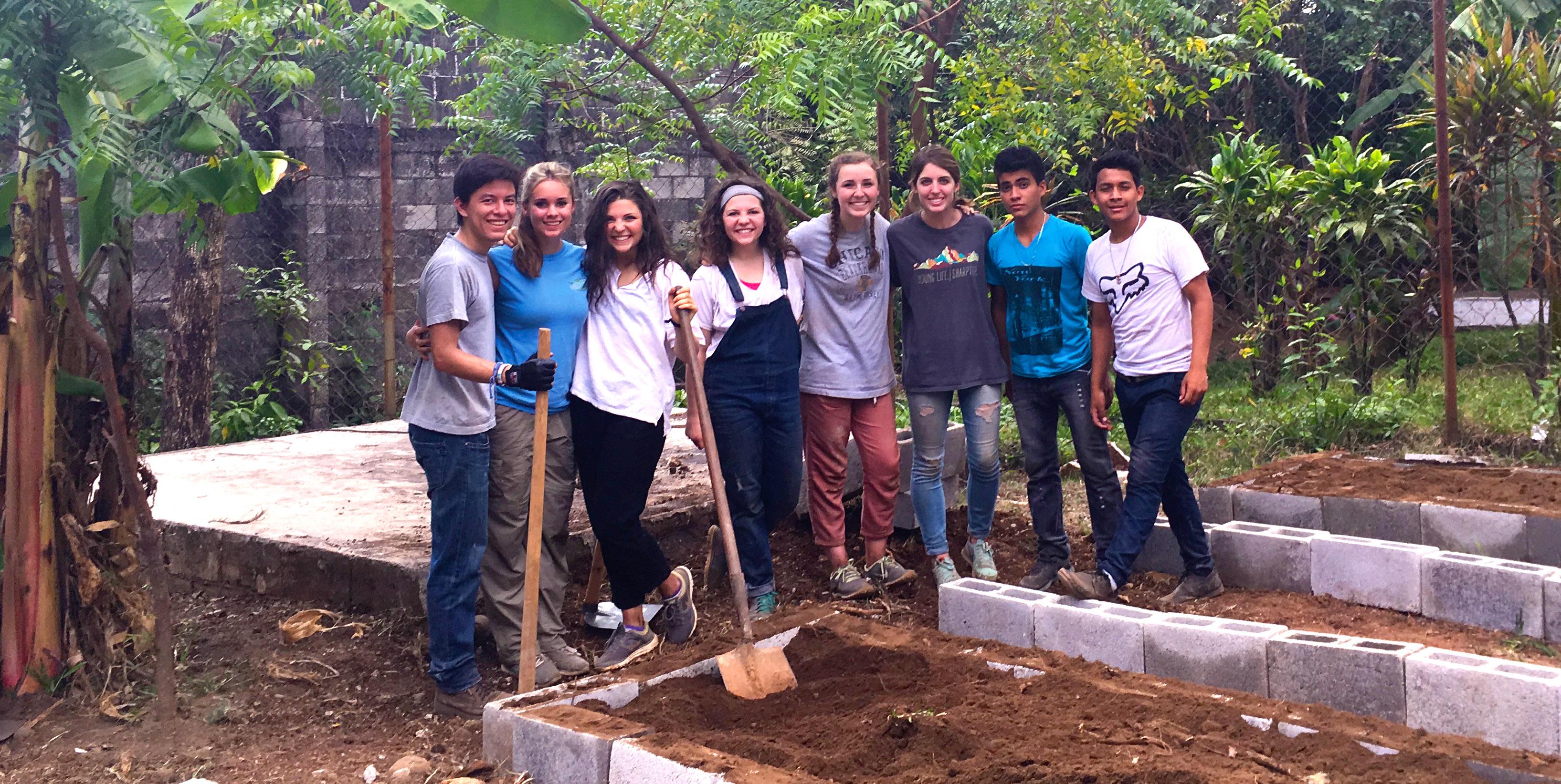 Guatemala 2016SB Trip Raised Bed Team.jpg