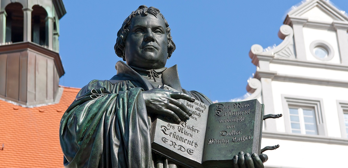Martin-Luther-Statue-Germany.jpg